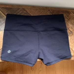 Lululemon Wunder under shorts